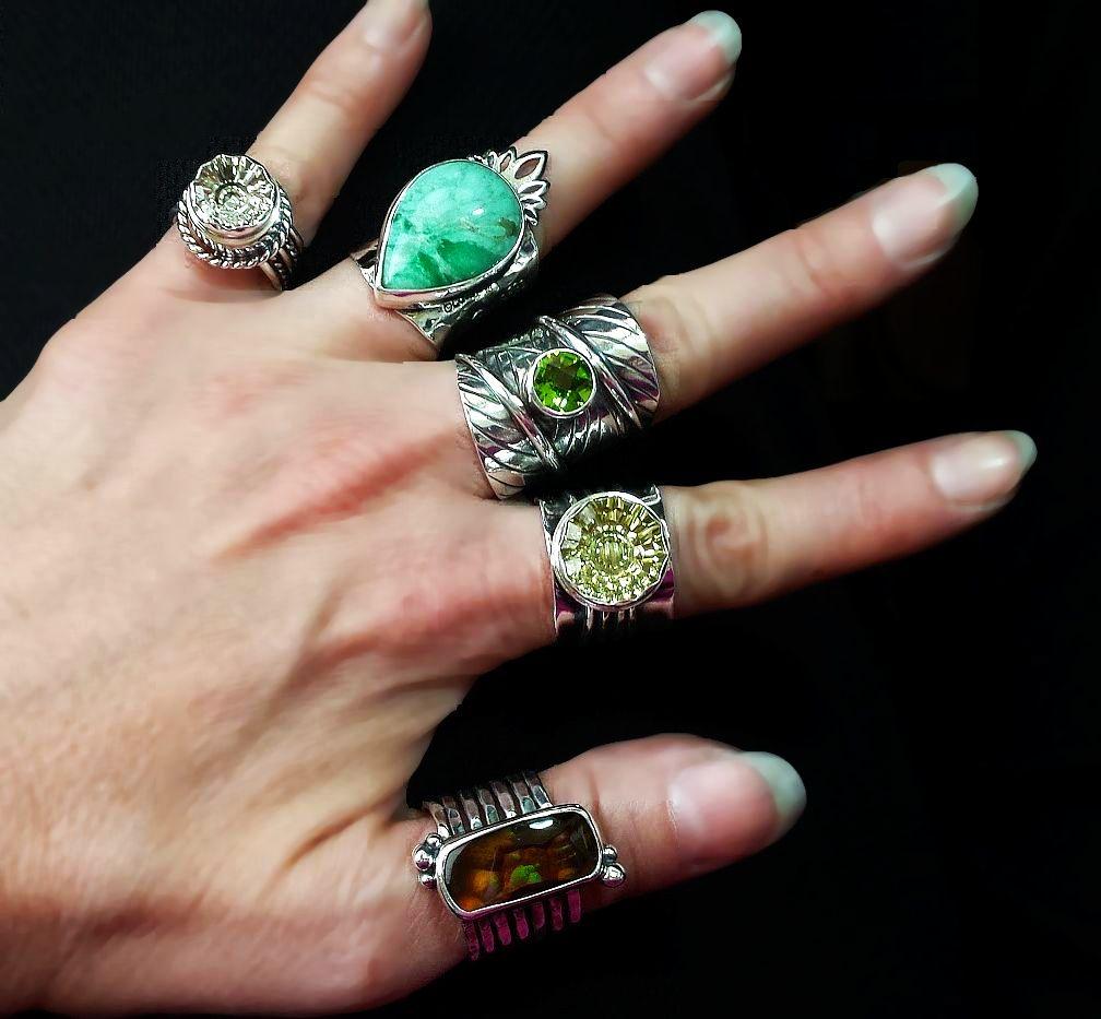 green ringsweb