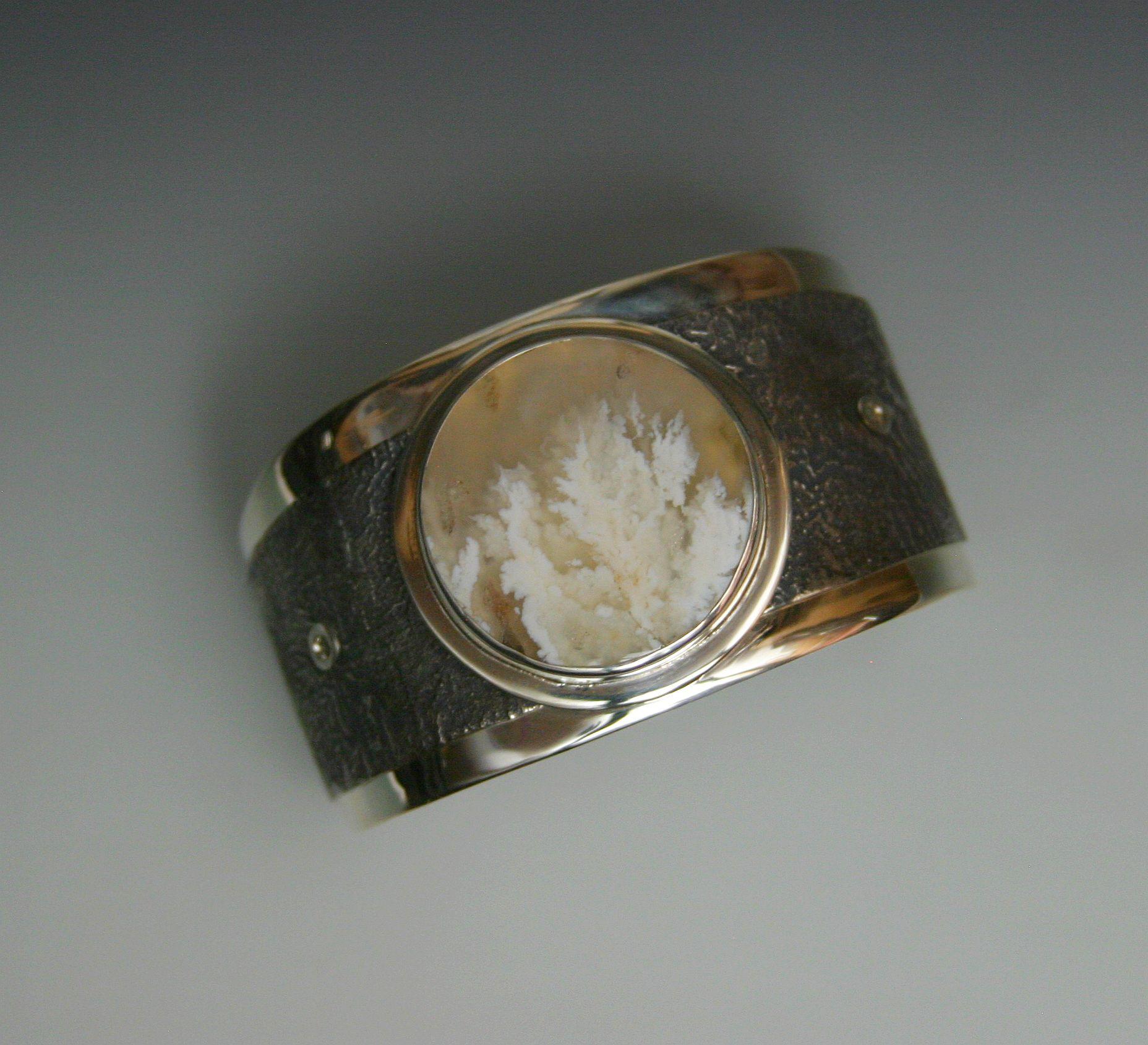 plume cuff